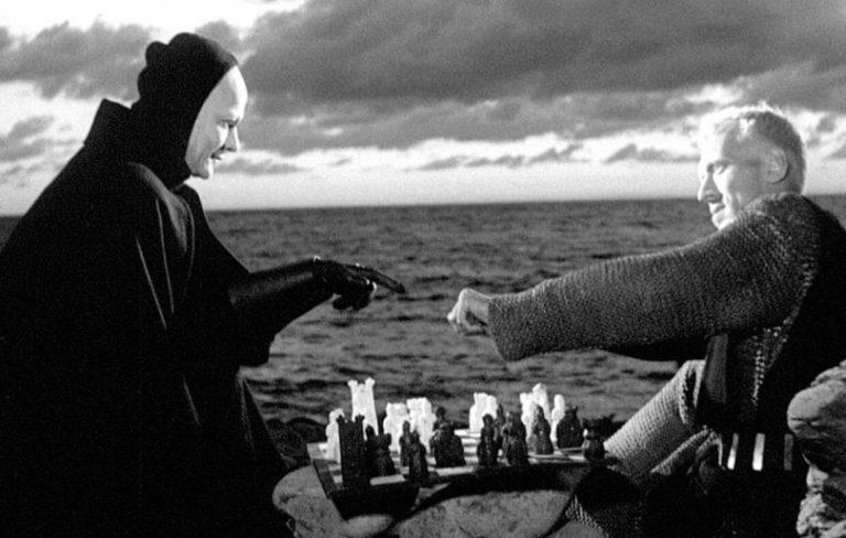 """Un fotogramma dal film """"Il settimo sigillo"""", di Ingmar Bergman"""
