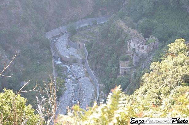 Bagnara Calabra, sentiero di Monte Cocuzzo, il palmento nei pressi del torrente Sfalassà