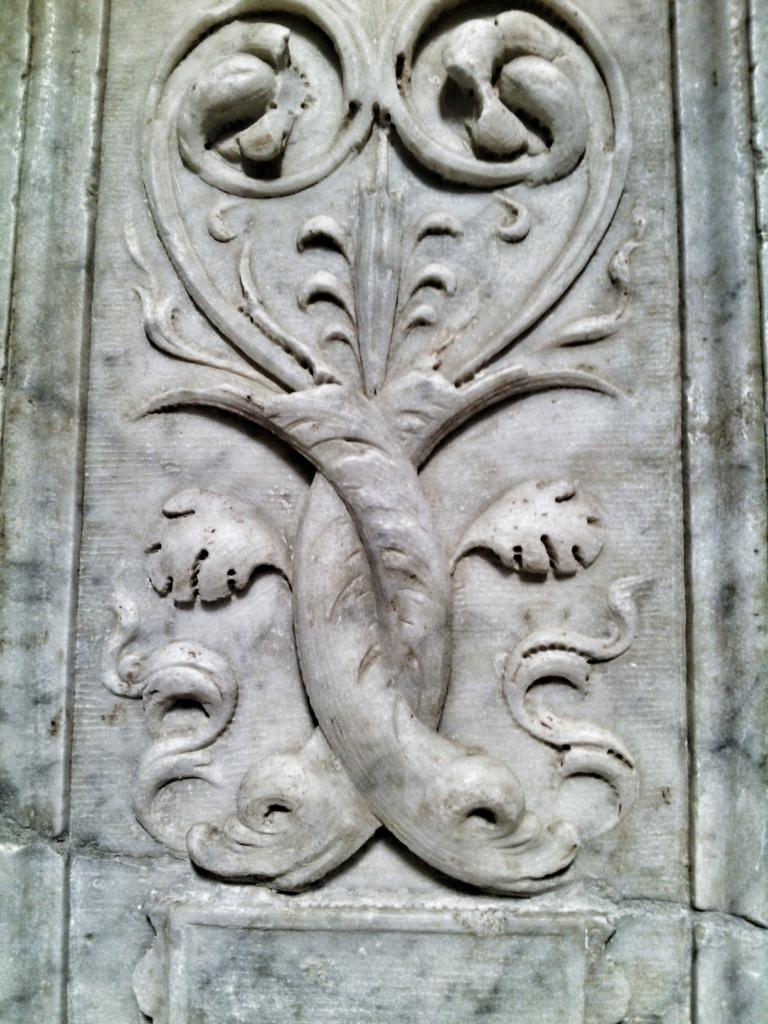 seminara - chiesa san marco - dossena dell'epifania - particolare decorativo con foglie d'acanto
