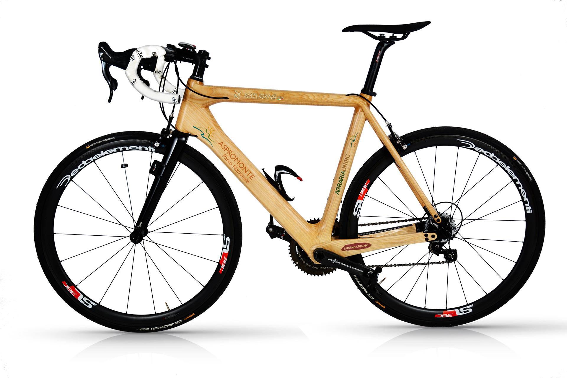 La bicicletta di legno costruita con il Castagno dell'Aspromonte